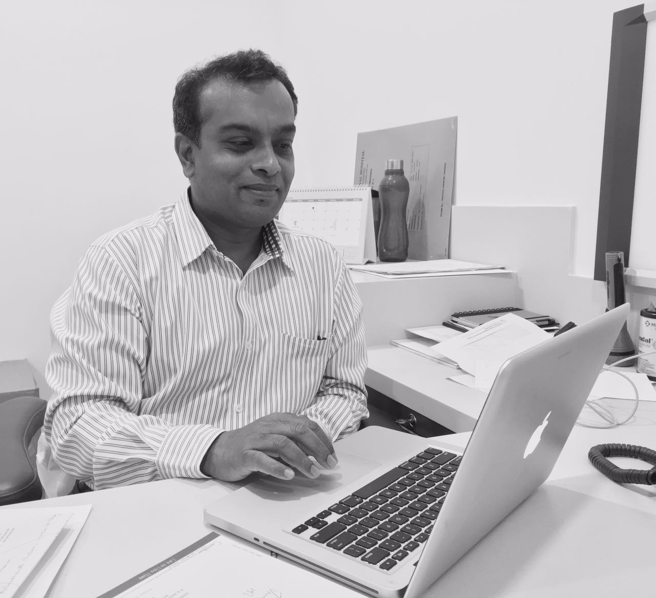Dr  Vivek  J  Anand - Radiotherapy and oncology consultant